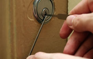 Door locks Guiseley